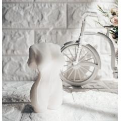 """Интерьерная свеча из 100% кокосового воска """"Девушка в платье"""".160 гр.12 см."""