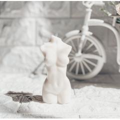 """Интерьерная свеча из 100% кокосового воска """"Женский Силуэт"""".150 гр.12 см."""